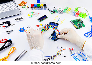 Computer programming microelectronics - Engineer is...