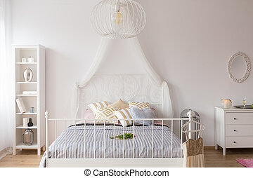 Bedroom with canopy bed - White bedroom with canopy bed,...