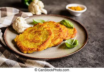Savory cauliflower pancakes with curry - Vegetarian...