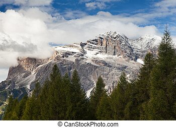 Tofana or Le Tofane gruppe, Dolomites, Italy - View of...