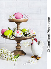 Easter decoration with eggs and chicken