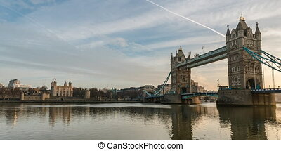 Tower Bridge Time lapse