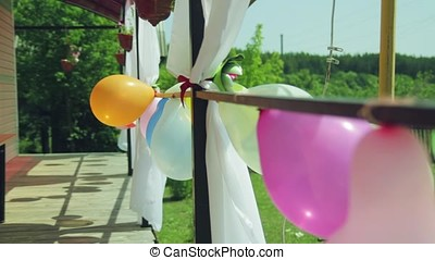 balloons on the porch
