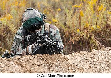 Marine Infantry Parachute Regiment - Machine gunner of 1st...
