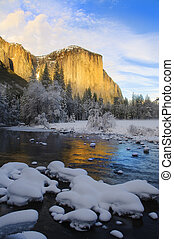sunset on yosemite in winter - View of beautiful Yosemite...