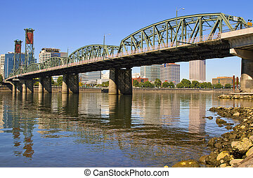 Historic Hawthorne Bridge