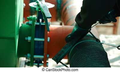 Installation of drilling fluid circulation system -...