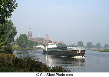 Cuijck is situated on the left bank of the river Maas -...