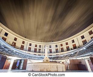 Plaza Redonda, Public round square long exposure in Valencia...