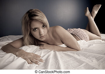 Sexy girl relaxe on bed 2 - Sexy girls relaxe on bed semi...