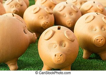 money saving pigs