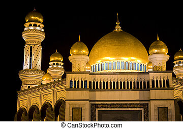 Jame'Asr Hassanil Bolkiah Mosque - Night image of Jame'Asr...
