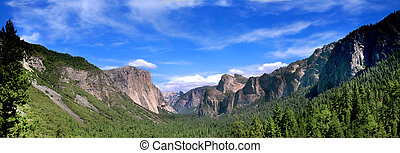 Panoramic Shot of Tunnel View In Yosemite National Park