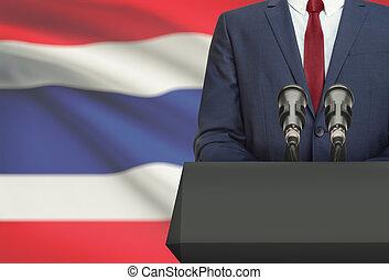 Político, nacional, fala, -, atrás de, bandeira, homem...