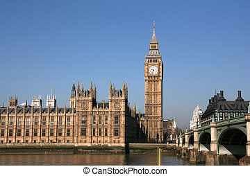 London - Thames view in London: Big Ben and Houses of...