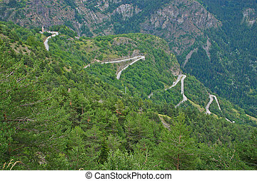 Alpe dHuez - Curve 7-9-11-13 - The famous hairpin curves of...