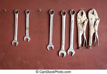 Tool set of wrench and pliers