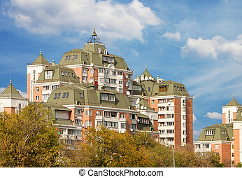 apartment building - Hi-rise apartment building on Moscow...