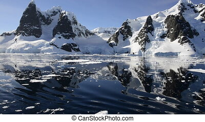 Mountain view in Antarctica travel Lemaire Chanel on the...