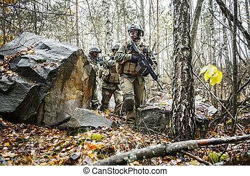 norwegian soldiers in the forest - Norwegian Rapid reaction...