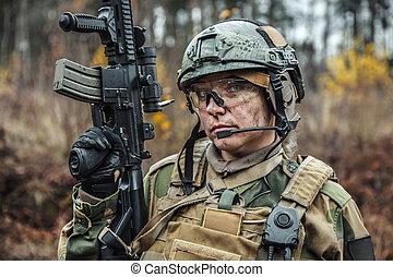 Norwegian Armed Forces female soldier - Norwegian Armed...