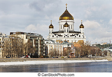Cathedral of Christ the Saviour in Moscow in the winter -...