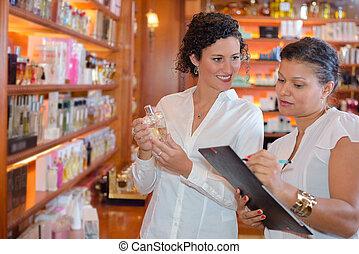 perfume critic doing an assessment