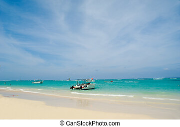Exotic beach and boats - Exotic beach with white sand. In...