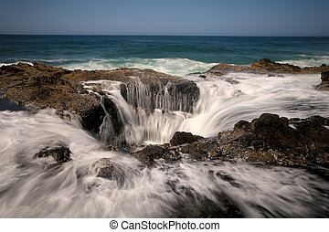 Water Spout Thors Well Oregon Coast - Thors Well Oregon...