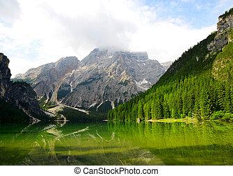 Lago di Braies -- Sudtirol, Italy - Lago di Braies ( Pragser...