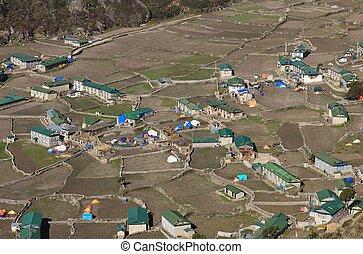 Village Khumjung after the earthquake - Village Khumjung one...
