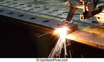 Metal cutting gas