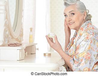 Beautiful elderly woman close-up - Portrait of a beautiful...