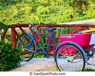 The tricycle old who can not use it, then bring people to...