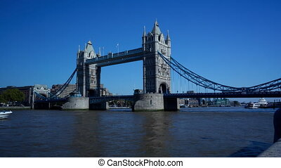 Time-lapse of Tower Bridge in the afternoon - Time-lapse of...