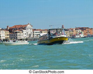 Tripping by the Venetian channels - Tripping by the Venetian...