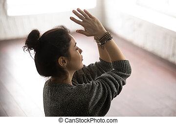 mujer, Ba, suéter, Namaste, joven, gris, estudio, atractivo,...