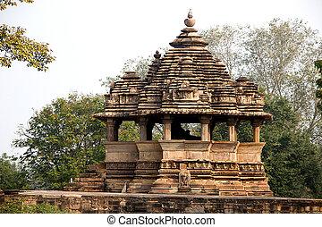 Nandi Mantapa at Khajuraho - View of Nandi Mantapa opposie...
