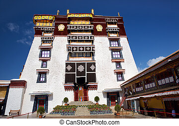 Potala Palace in Lhasa - Courtyard of the Potala Palace...
