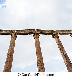 columns on Acardo maximus road in Jerash town