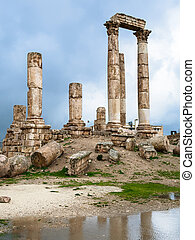 emple of Hercules at Amman Citadel in rainy day - Travel to...