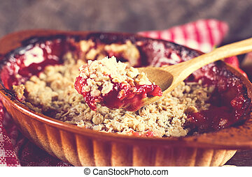 pie crumble with strawberries and rhubarb