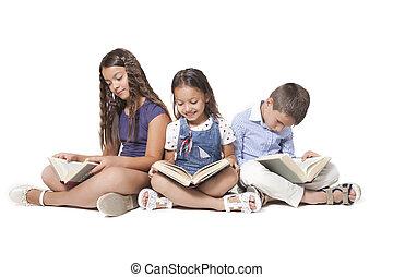 lesende, Gruppe, Kinder