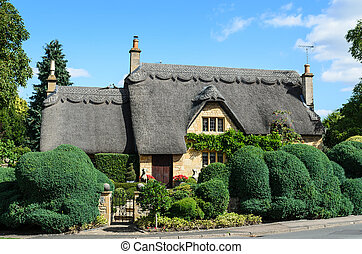 Thatched cottage with beautiful garden