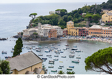 The bay of Sestri Levante - View over the baia del silenzio...
