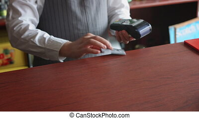Accepting customer's payment with credit card