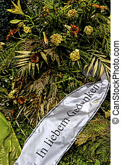 verblühter grave jewelry - verblühter wreath at the...