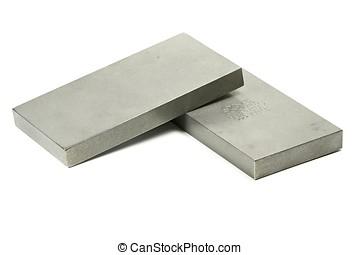 titanio, lingotes