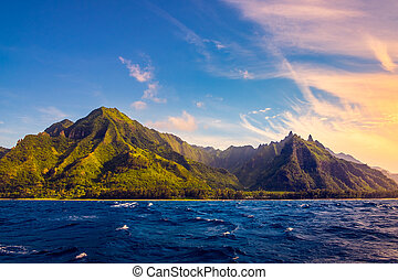 Dramatic landscape of Na Pali coast, Kauai, Hawaii -...