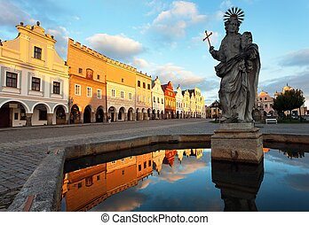Evening view of Telc or Teltsch town square, building...